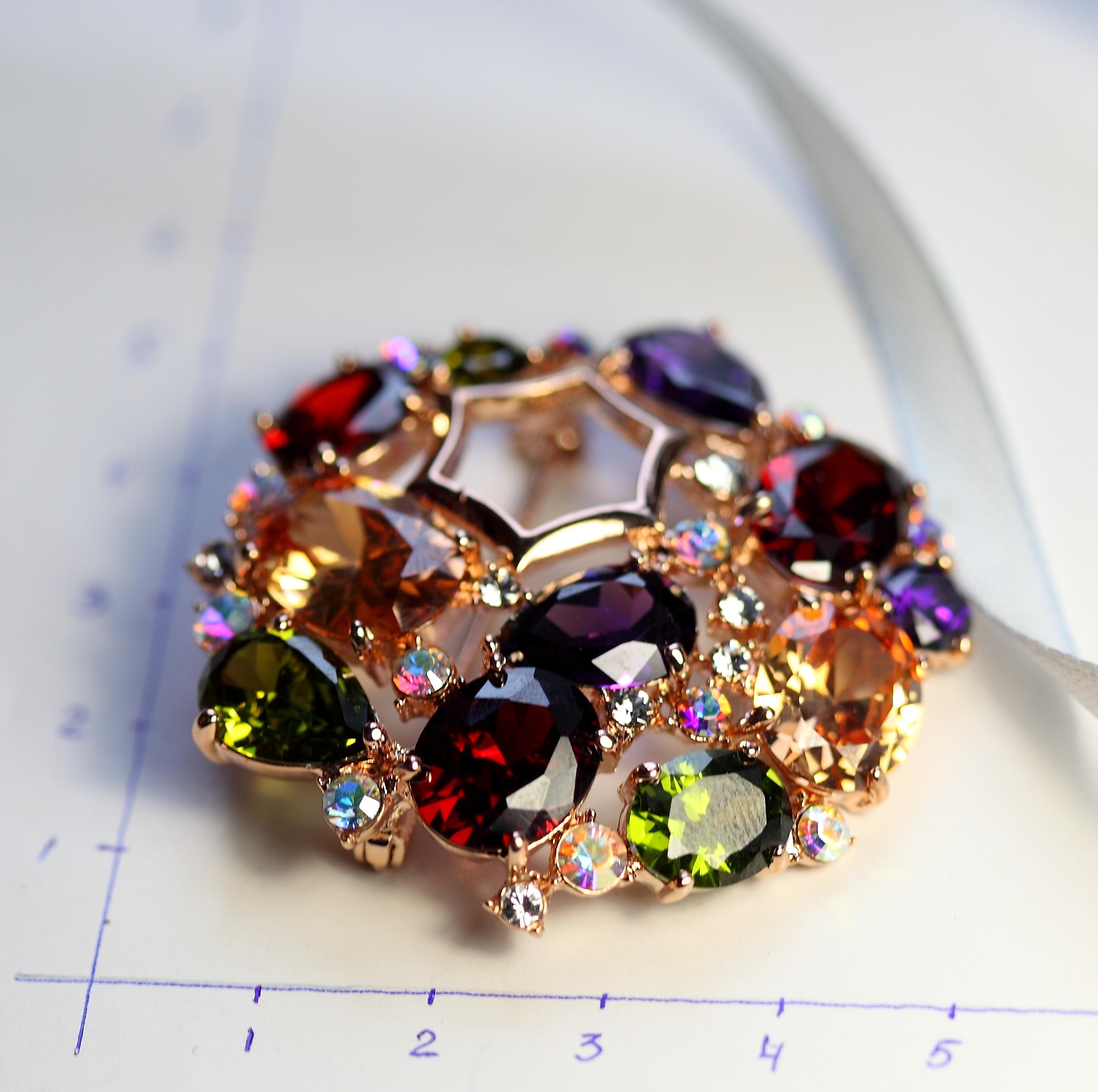 С кристаллами Swarovski